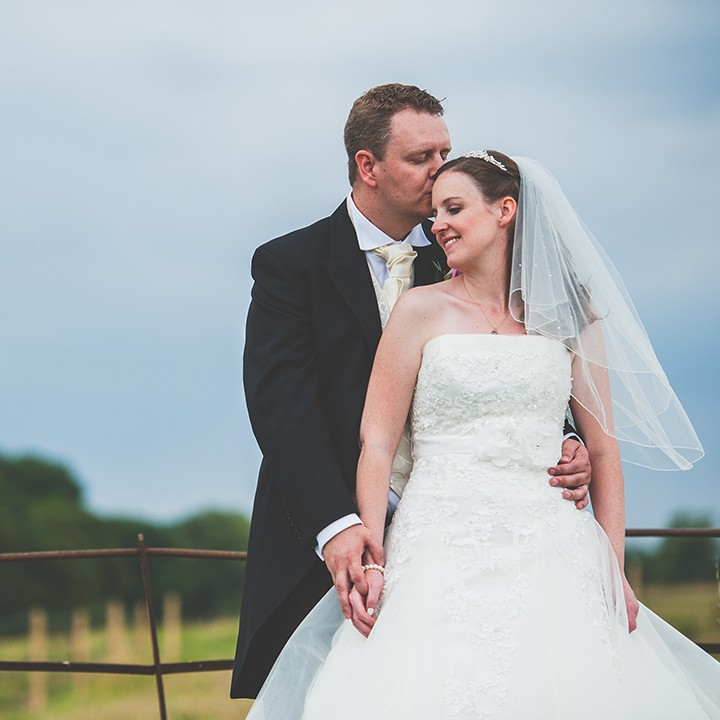 Buckinghamshire wedding photographer, Barn wedding