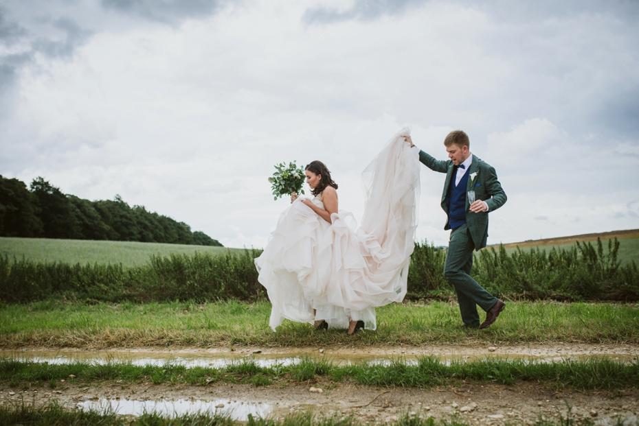 Cripps Stone Barn Wedding - Steph & Luke - 0421
