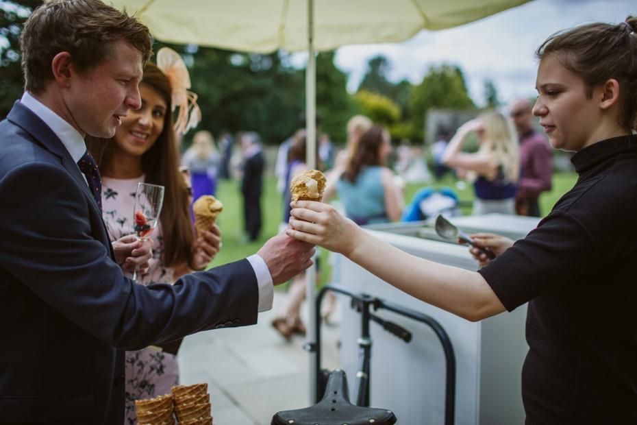 Caswell House wedding - Lisa & Mark - Lee Dann Photography - 0382