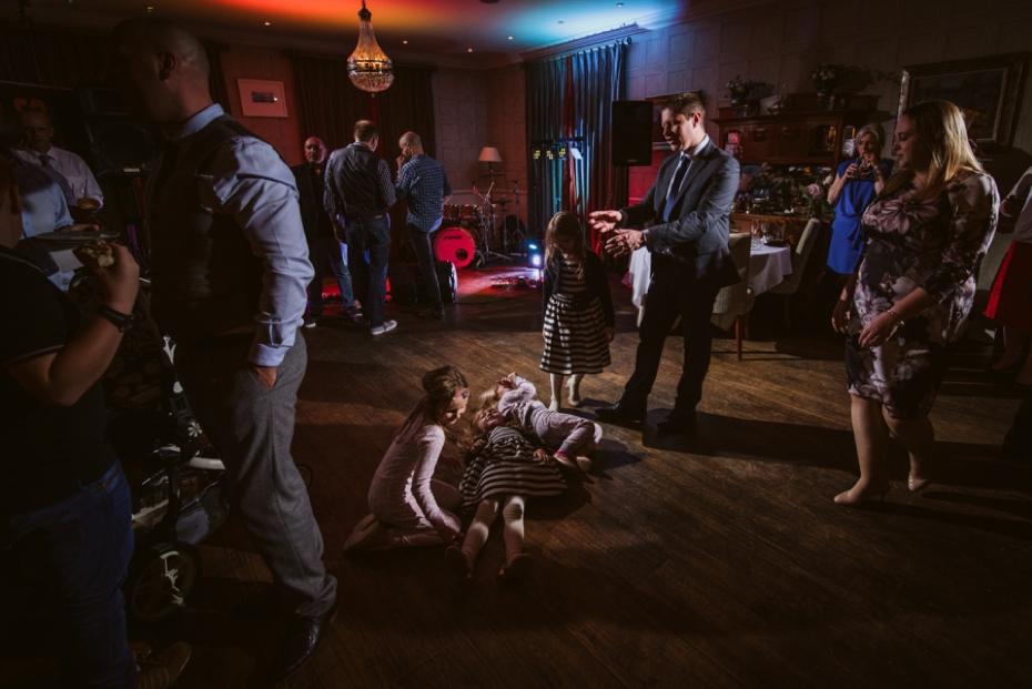Lower Slaughter Wedding - Sharon + Gareth - Lee Dann Photography - 0476