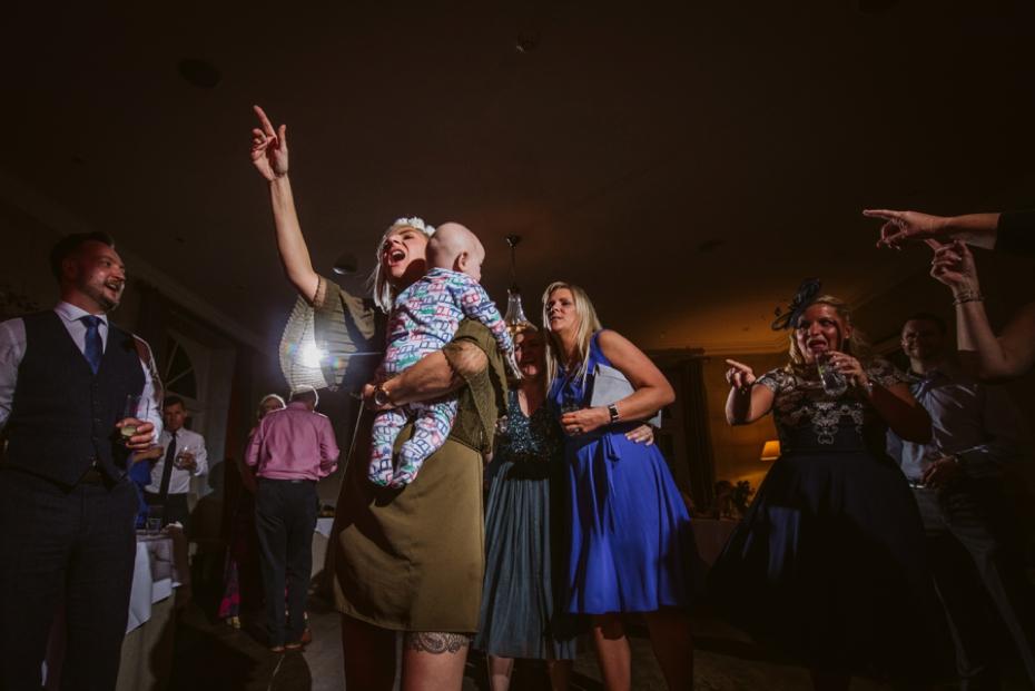 Lower Slaughter Wedding - Sharon + Gareth - Lee Dann Photography - 0511