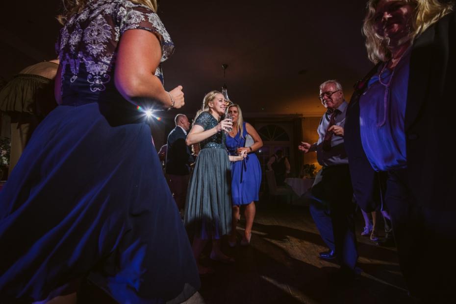 Lower Slaughter Wedding - Sharon + Gareth - Lee Dann Photography - 0517