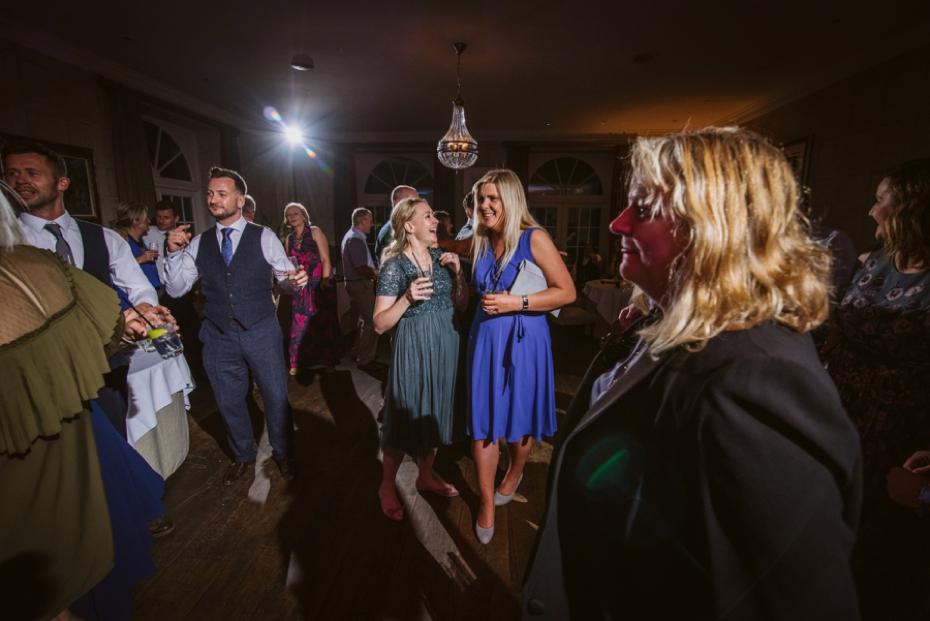 Lower Slaughter Wedding - Sharon + Gareth - Lee Dann Photography - 0519