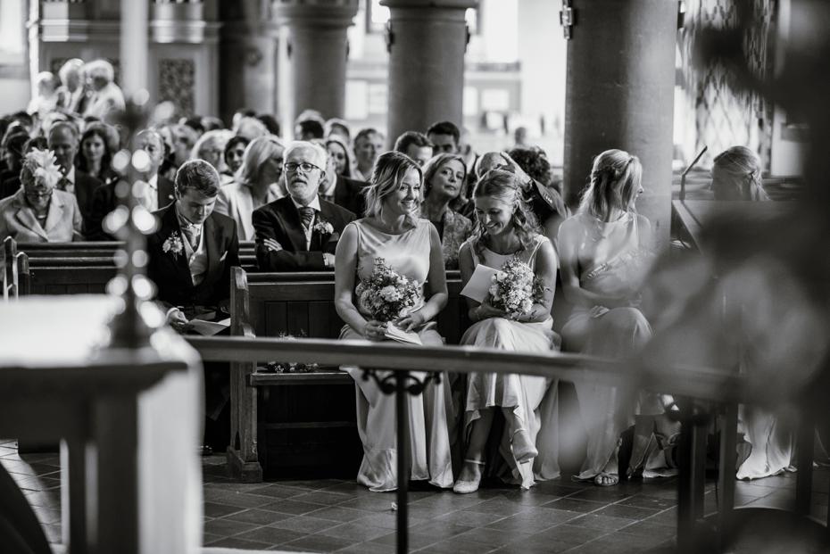 Shotover Garden wedding - Hannah & Christian - Lee Dann Photography - 0373
