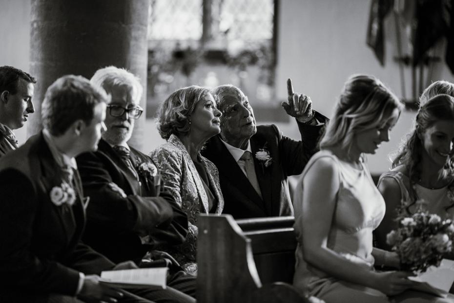 Shotover Garden wedding - Hannah & Christian - Lee Dann Photography - 0374
