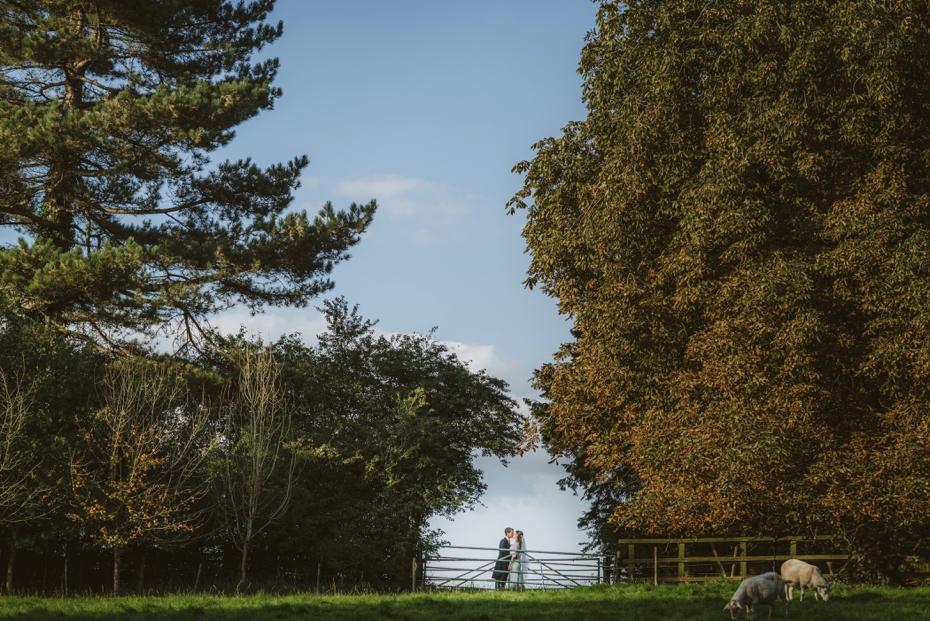 Shotover Garden wedding - Hannah & Christian - Lee Dann Photography - 0604