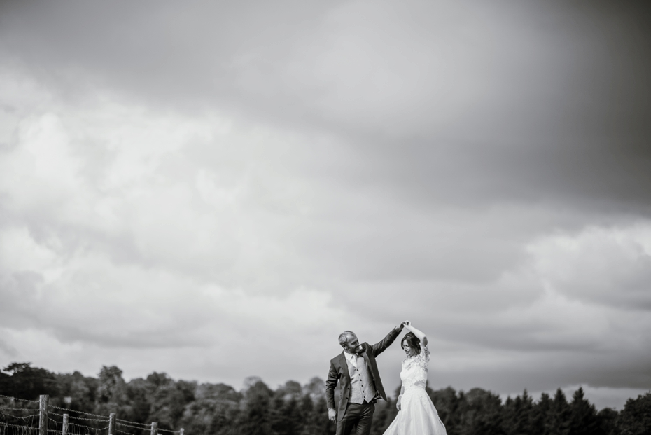 The Cart Shed wedding - Kate & Ryan - Lee Dann Photography - 0547