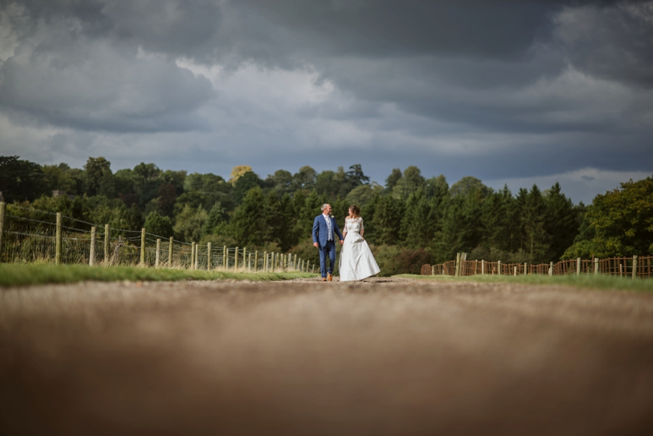The Cart Shed wedding - Kate & Ryan - Lee Dann Photography - 0550