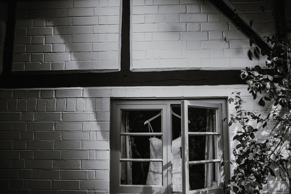 Wiltshire Garden wedding - Carly & Pete - Lee Dann Photography - 0041