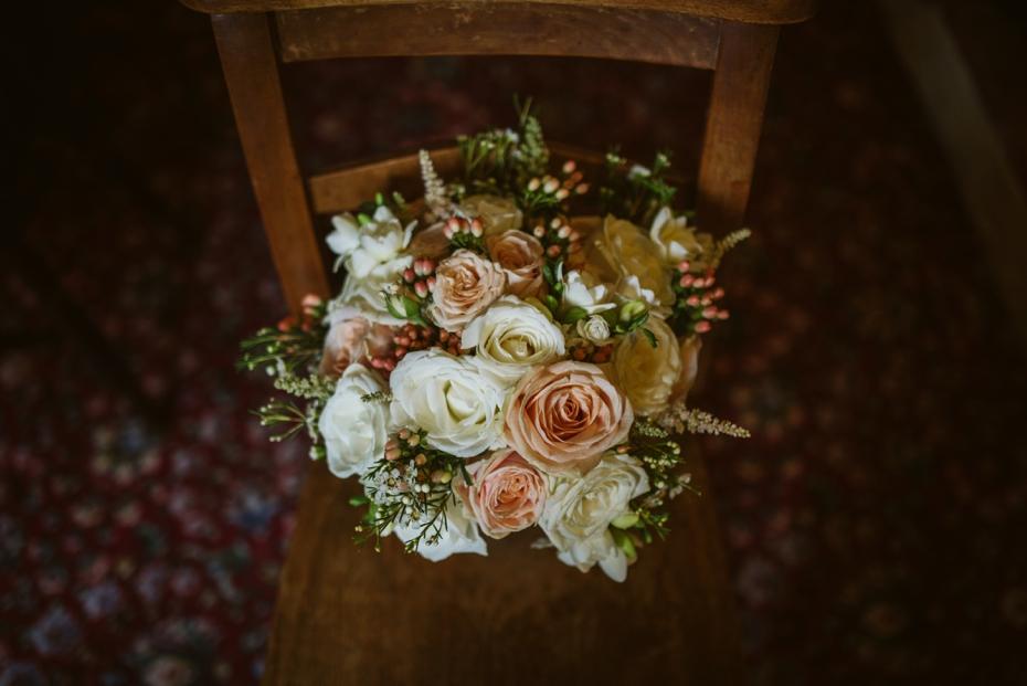 Wiltshire Garden wedding - Carly & Pete - Lee Dann Photography - 0051