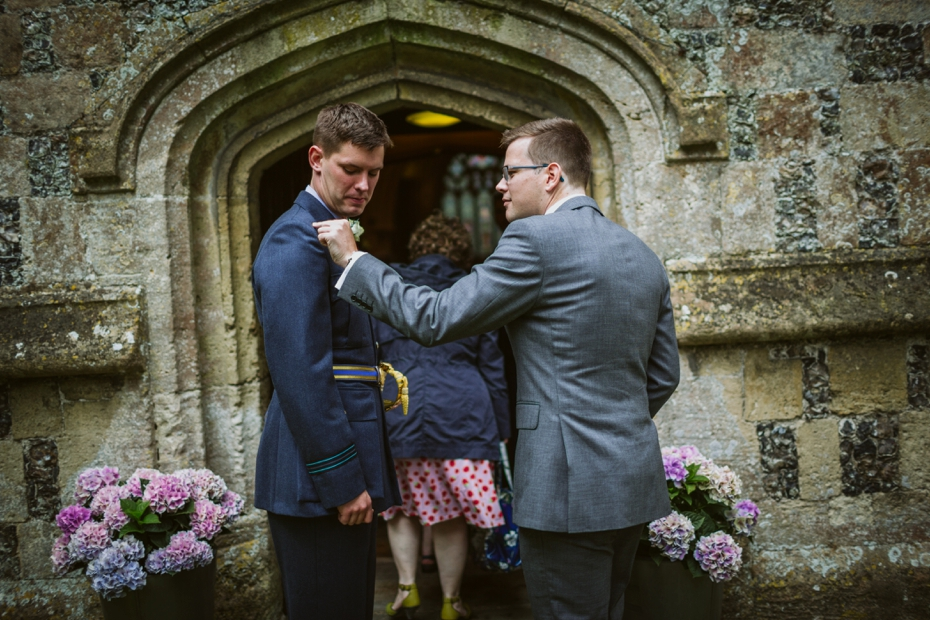 Wiltshire Garden wedding - Carly & Pete - Lee Dann Photography - 0265