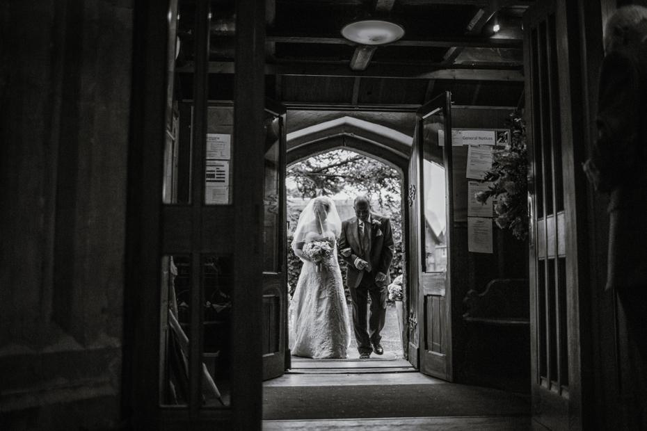 Wiltshire Garden wedding - Carly & Pete - Lee Dann Photography - 0386