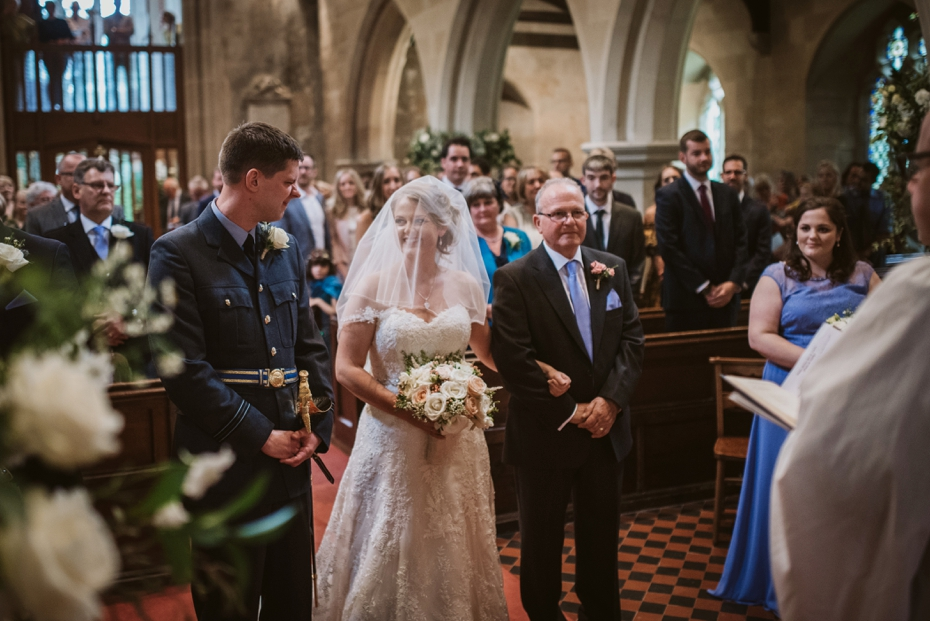 Wiltshire Garden wedding - Carly & Pete - Lee Dann Photography - 0395