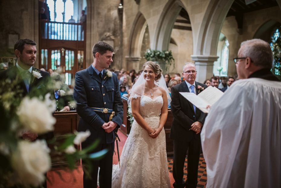 Wiltshire Garden wedding - Carly & Pete - Lee Dann Photography - 0407