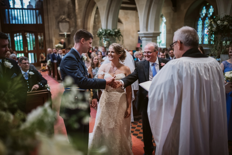 Wiltshire Garden wedding - Carly & Pete - Lee Dann Photography - 0414