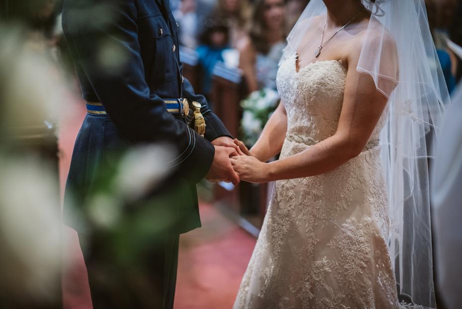 Wiltshire Garden wedding - Carly & Pete - Lee Dann Photography - 0442
