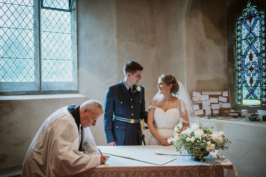 Wiltshire Garden wedding - Carly & Pete - Lee Dann Photography - 0484