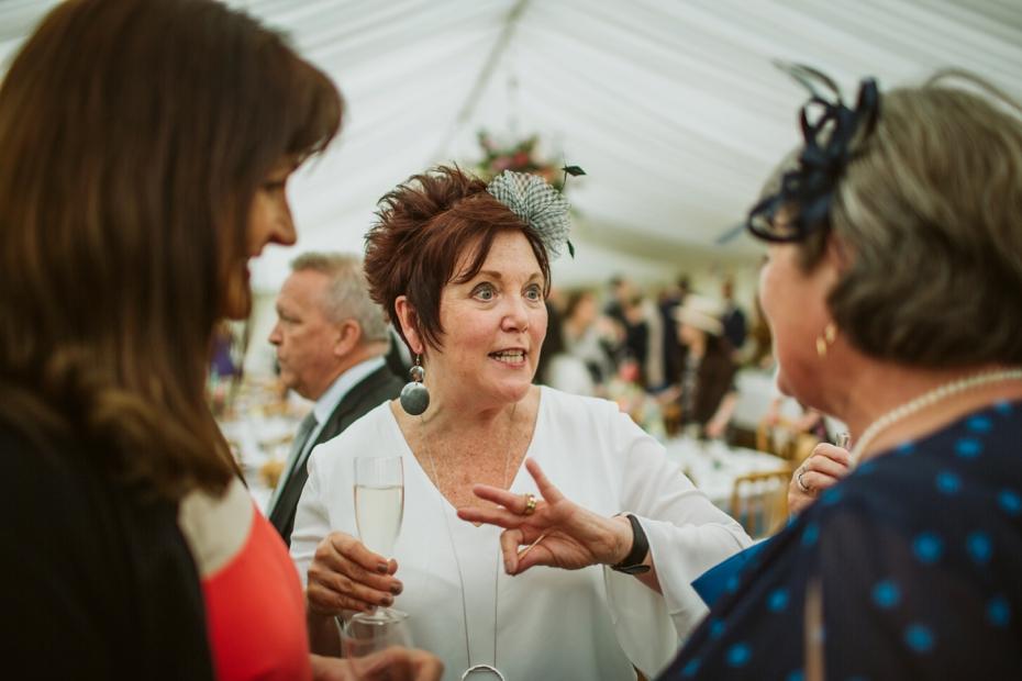 Wiltshire Garden wedding - Carly & Pete - Lee Dann Photography - 0621