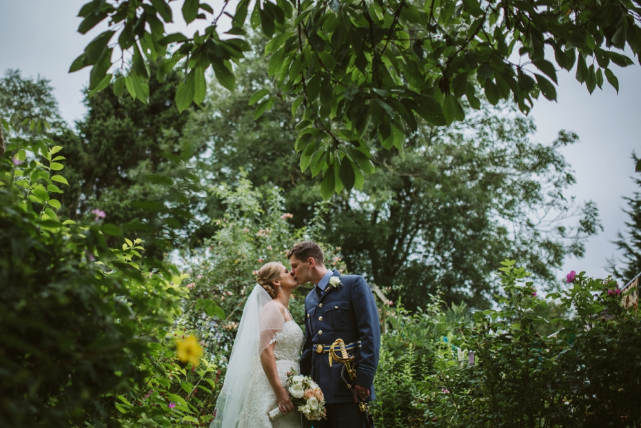 Wiltshire Garden wedding - Carly & Pete - Lee Dann Photography - 0631
