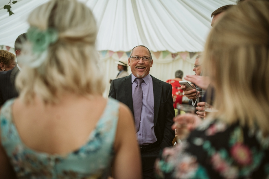 Wiltshire Garden wedding - Carly & Pete - Lee Dann Photography - 0673