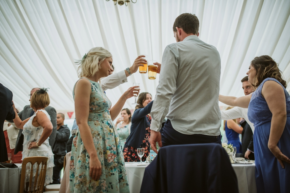 Wiltshire Garden wedding - Carly & Pete - Lee Dann Photography - 0808