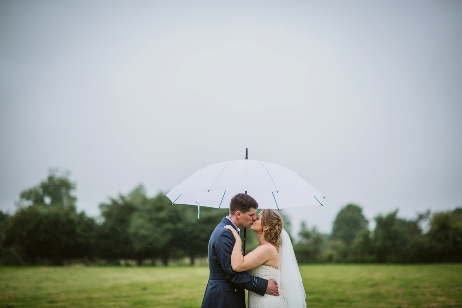 Wiltshire Garden wedding - Carly & Pete - Lee Dann Photography - 0847