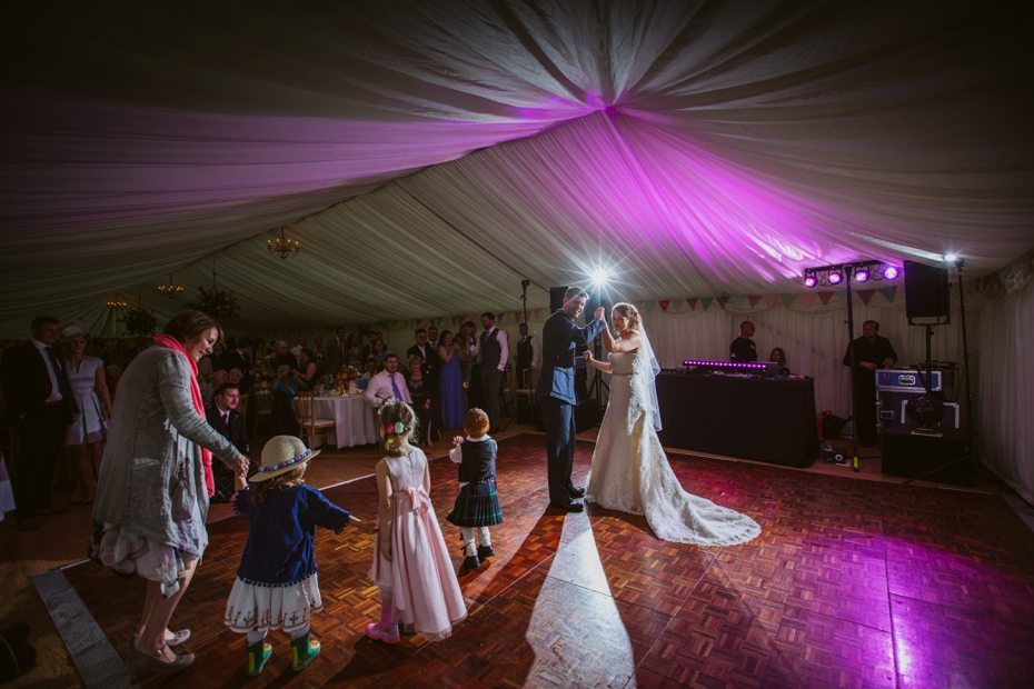 Wiltshire Garden wedding - Carly & Pete - Lee Dann Photography - 0883
