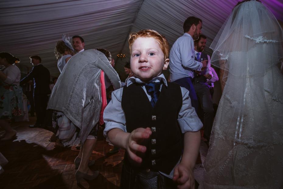 Wiltshire Garden wedding - Carly & Pete - Lee Dann Photography - 0888