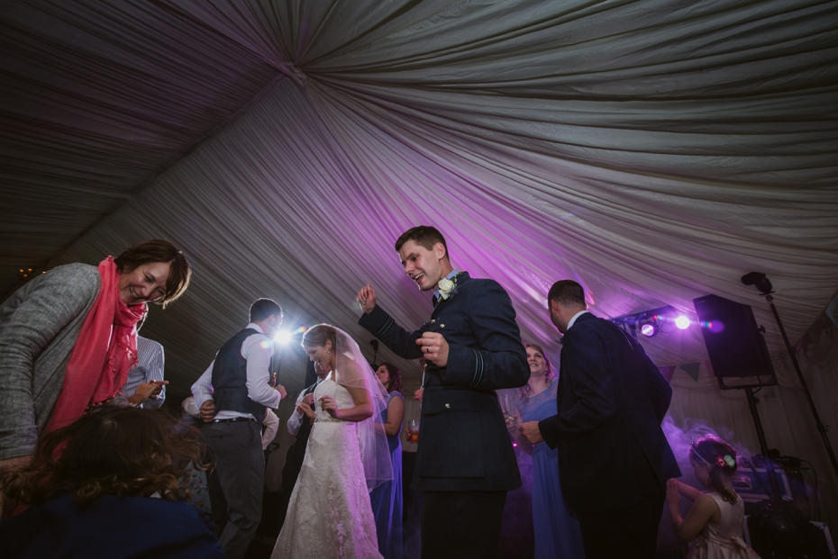 Wiltshire Garden wedding - Carly & Pete - Lee Dann Photography - 0891