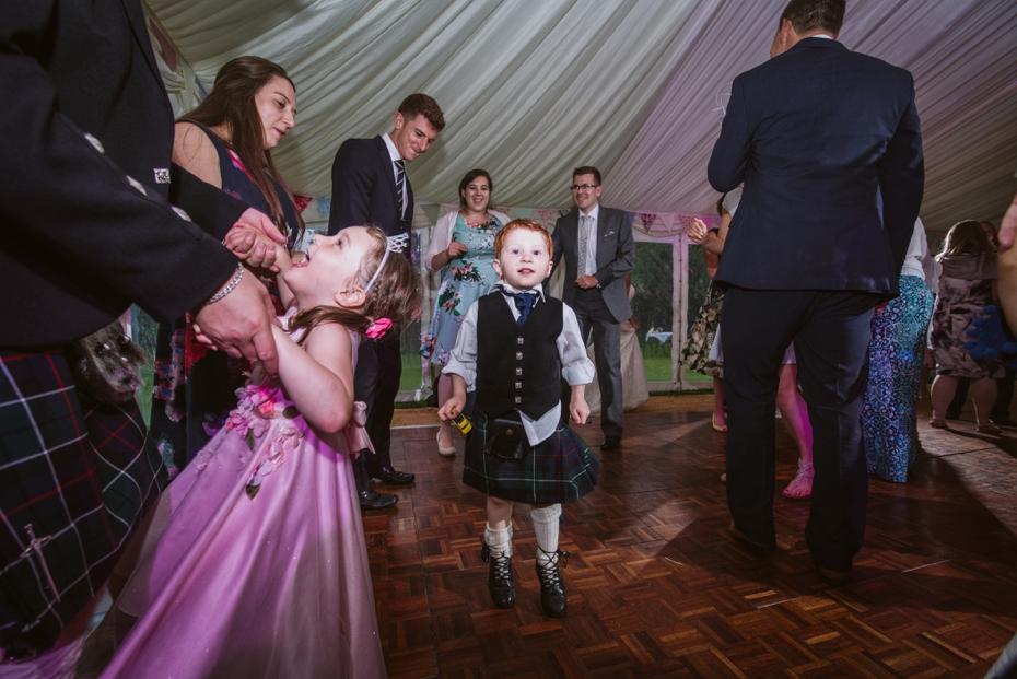 Wiltshire Garden wedding - Carly & Pete - Lee Dann Photography - 0905