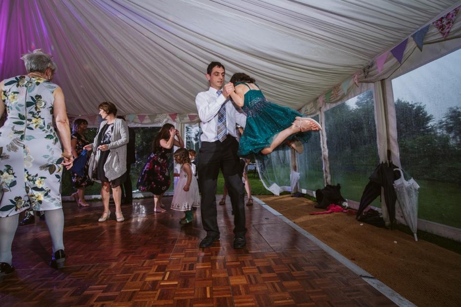 Wiltshire Garden wedding - Carly & Pete - Lee Dann Photography - 0921