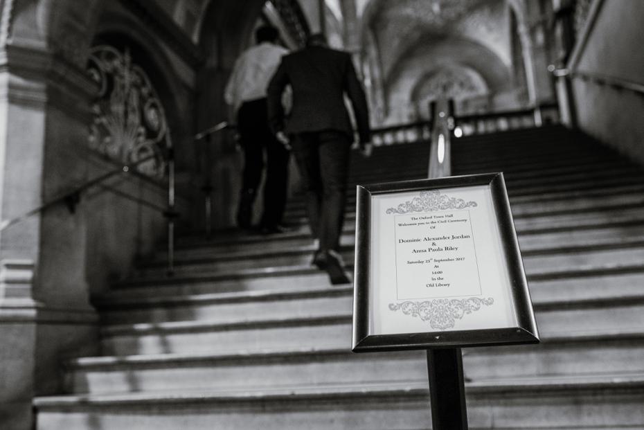 Oxford Town Hall Wedding - Anna & Dom - Lee Dann Photography - 0127