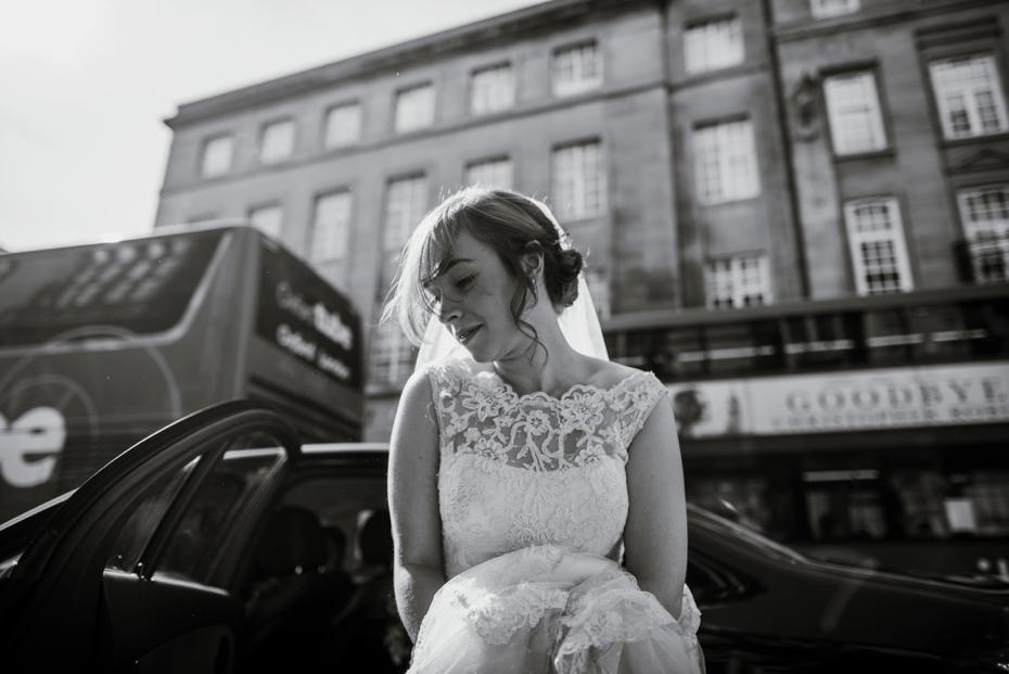 Oxford Town Hall Wedding - Anna & Dom - Lee Dann Photography - 0149