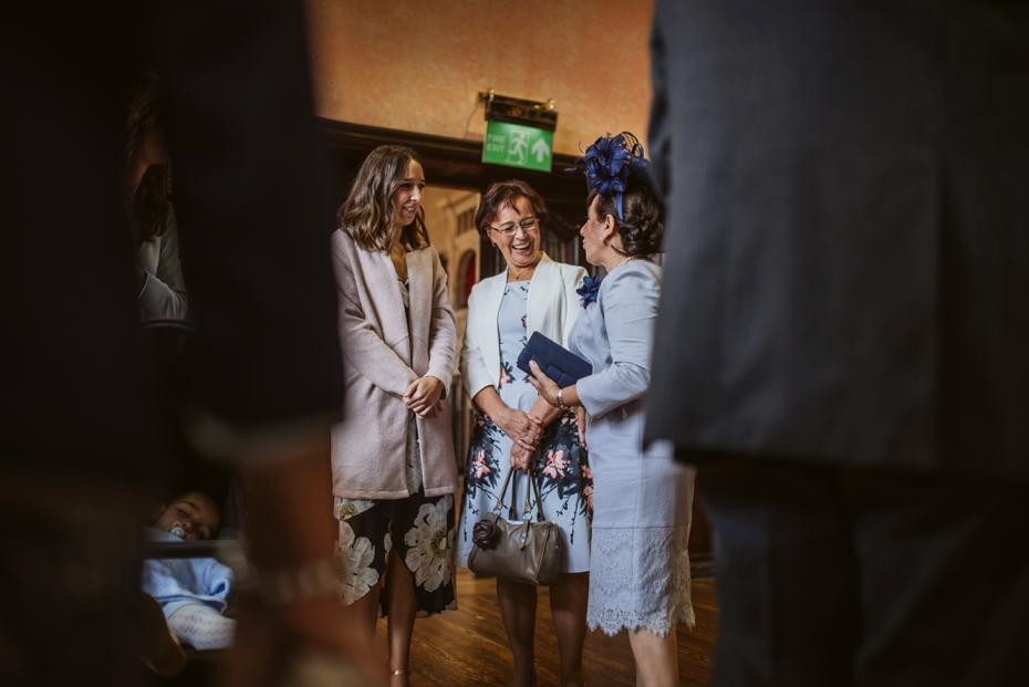 Oxford Town Hall Wedding - Anna & Dom - Lee Dann Photography - 0168