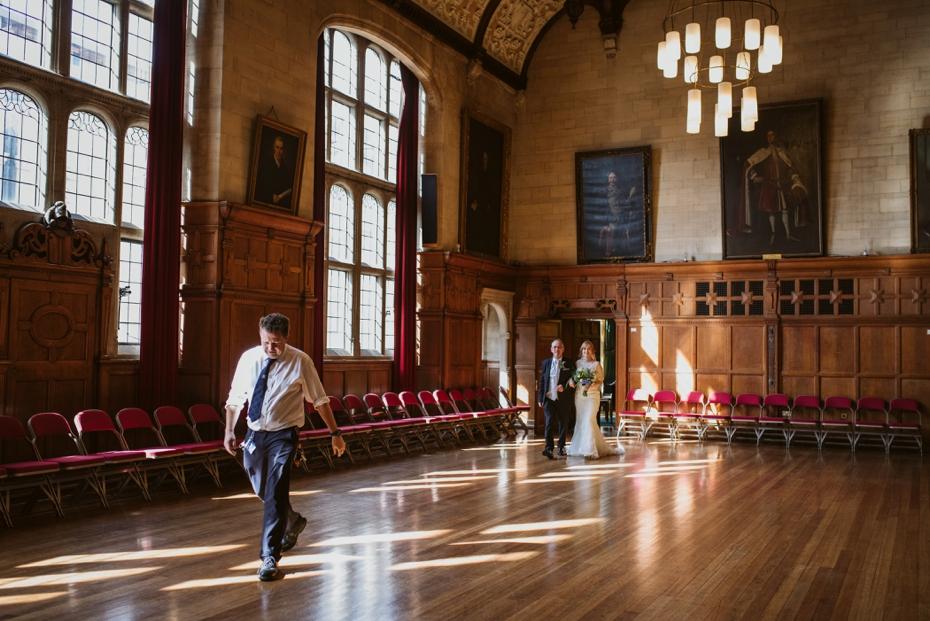 Oxford Town Hall Wedding - Anna & Dom - Lee Dann Photography - 0183