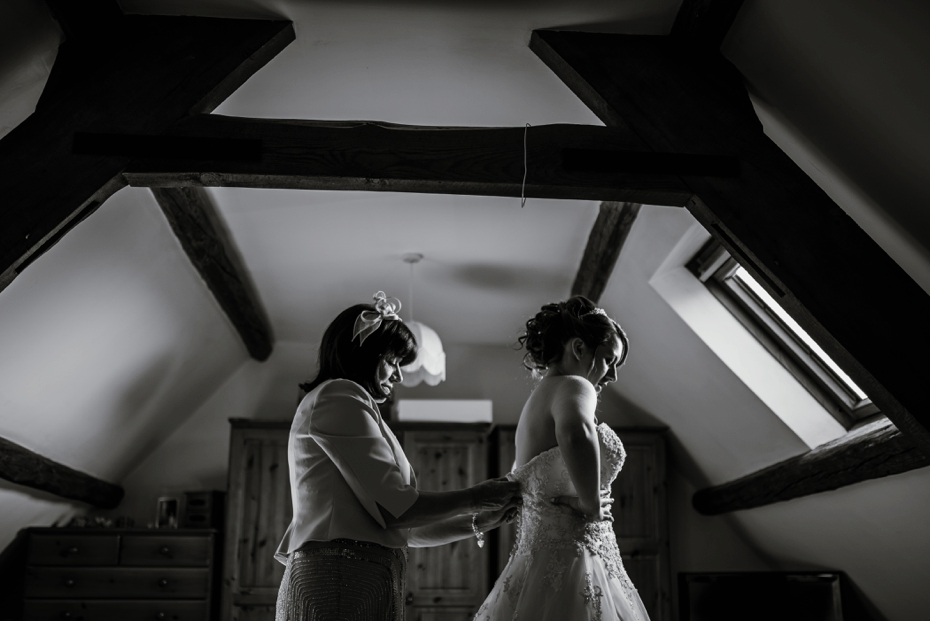 Oxford Four Pillars Wedding- Chloe & Chris - Lee Dann Photography - 0190