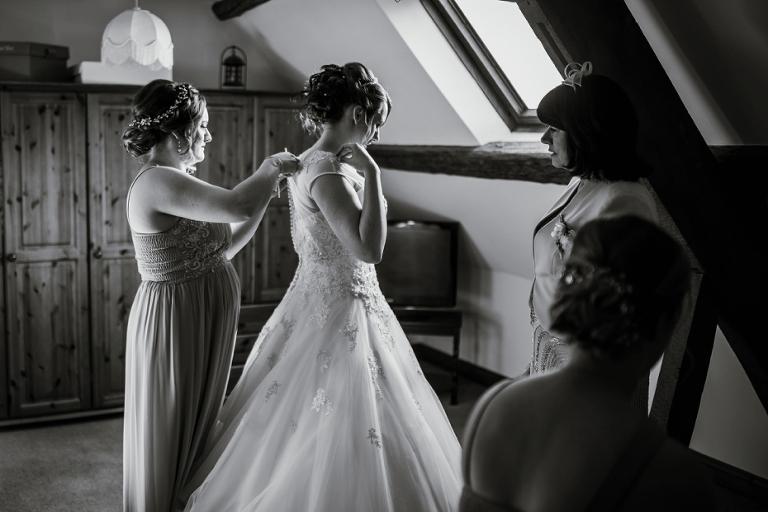 Oxford Four Pillars Wedding- Chloe & Chris - Lee Dann Photography - 0216