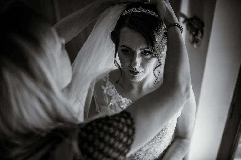 Oxford Four Pillars Wedding- Chloe & Chris - Lee Dann Photography - 0248