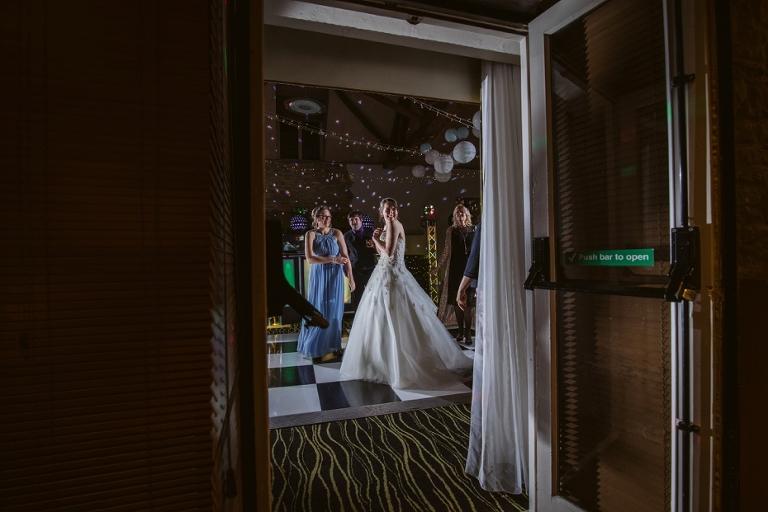 Oxford Four Pillars Wedding- Chloe & Chris - Lee Dann Photography - 0625
