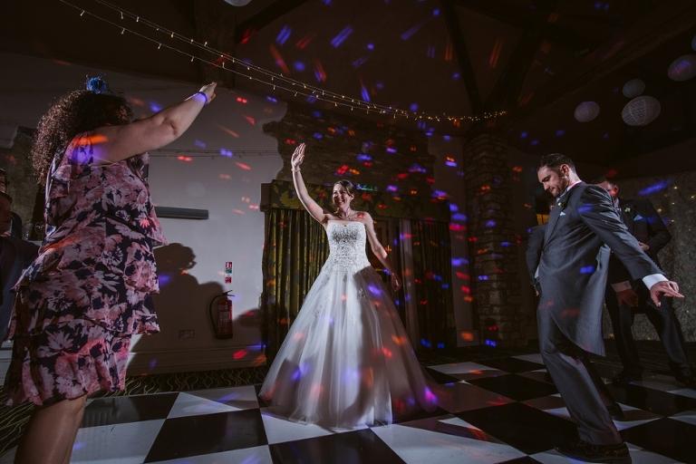 Oxford Four Pillars Wedding- Chloe & Chris - Lee Dann Photography - 0632
