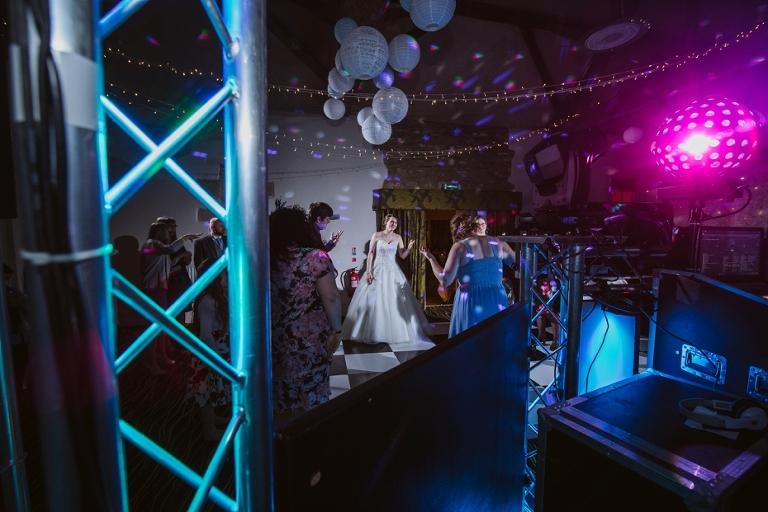 Oxford Four Pillars Wedding- Chloe & Chris - Lee Dann Photography - 0638